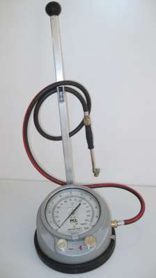 112 1 - Inflador de ruedas manual sobre suelo
